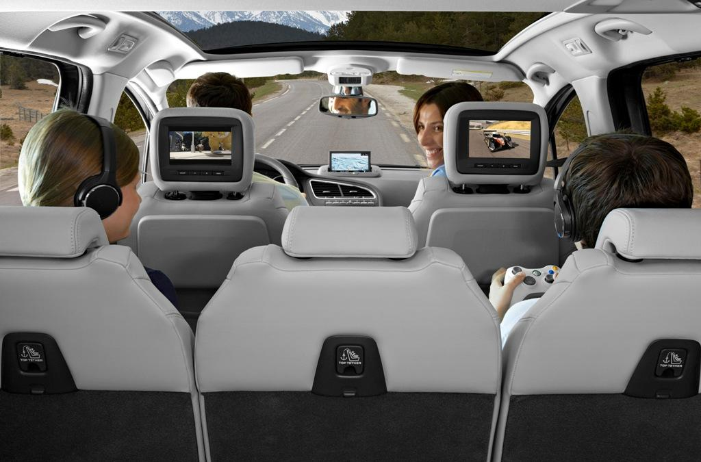 peugeot-5008-interior-pantallas